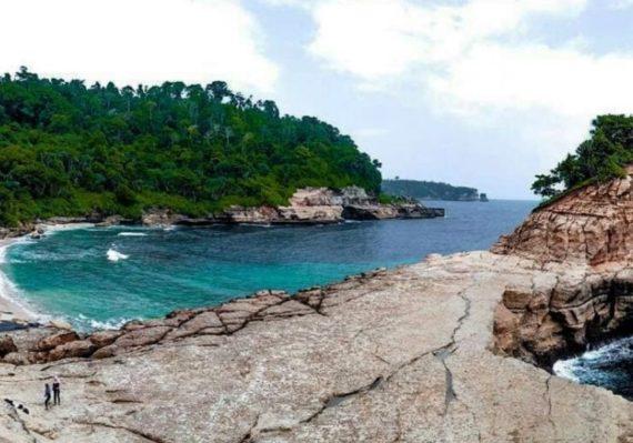 Destinasi Wisata Pantai di Tulungagung yang Hits, Populer dan Direkomendasikan